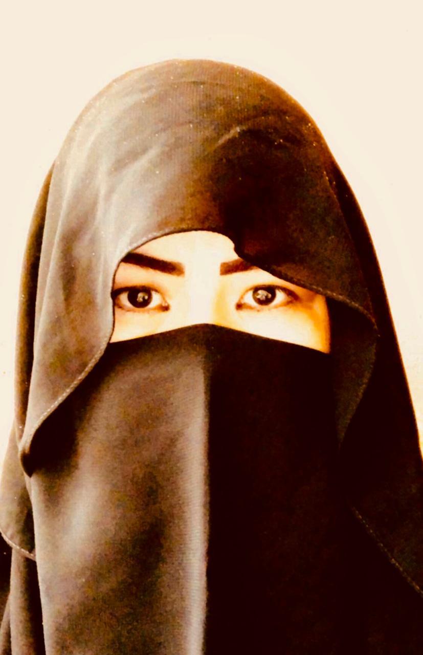عزيزة تركستاني