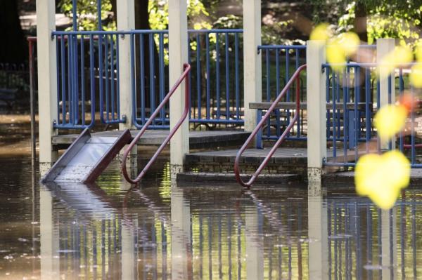 أمريكا.. الفيضانات تودي بحياة 18 شخصاً بولايتي نيويورك ونيوجيرزي