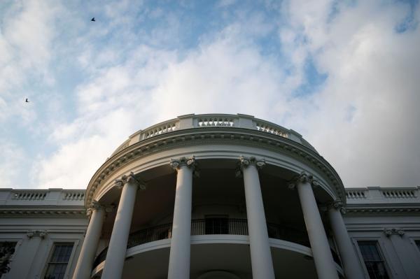 البيت الأبيض يحذر الشركات الأمريكية من هجمات سيبرانية