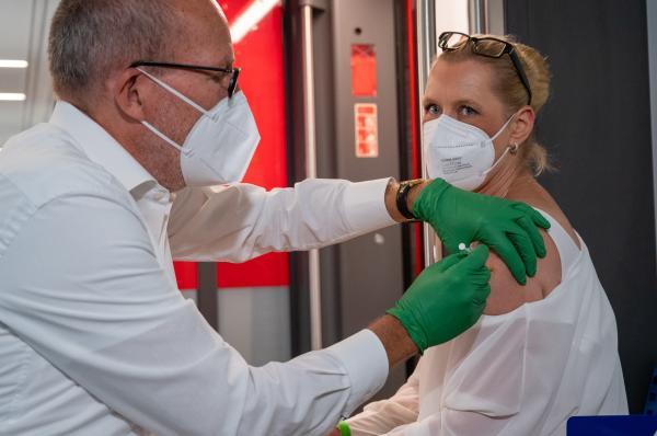 ألمانيا : 10453 إصابة جديدة بكورونا
