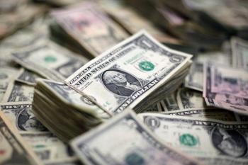 ارتفاع الدولار مع ترقب اجتماع المركزي الأوروبي