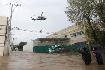 وفاة 17 شخصا بسبب فيضانات ضربت مستشفى في المكسيك