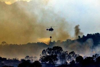 الحرائق تتسبب في إجلاء 939 شخص جنوبي إسبانيا
