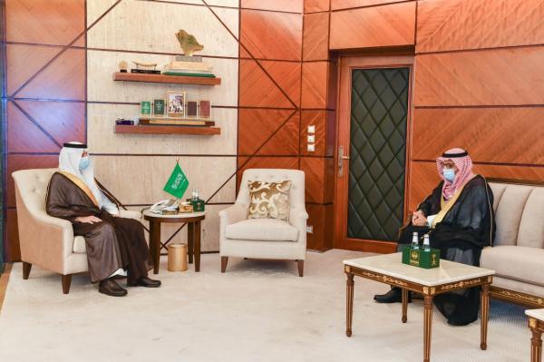 أمير الشرقية يستقبل مدير عام ميناء الملك عبدالعزيز بمناسبة تعيينه