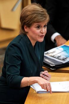 ستورجون: الاستفتاء على استقلال أسكتلندا فور السيطرة على «كورونا»