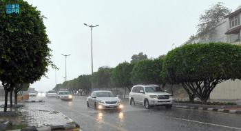 أمطار ورياح نشطة على عسير حتى الـ ٧ مساءً