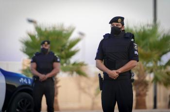 الإطاحة بتشكيل عصابي يمني ارتكب 13 حادثًا جنائيًا بجدة