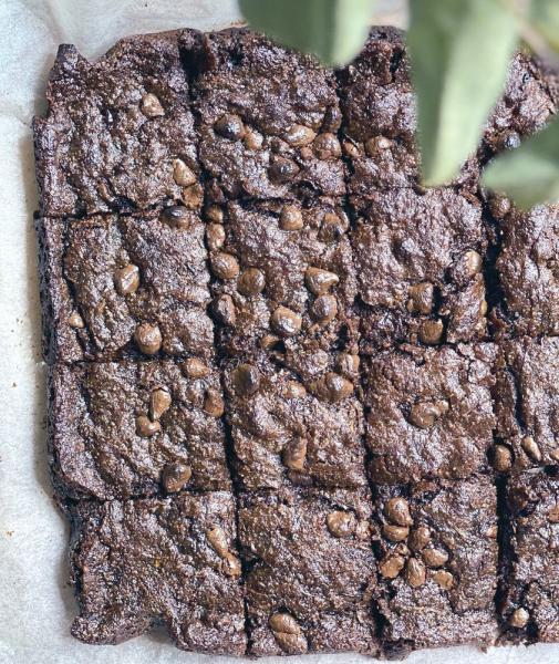 إعداد «براونيز الكوسة» دون بيض وألبان
