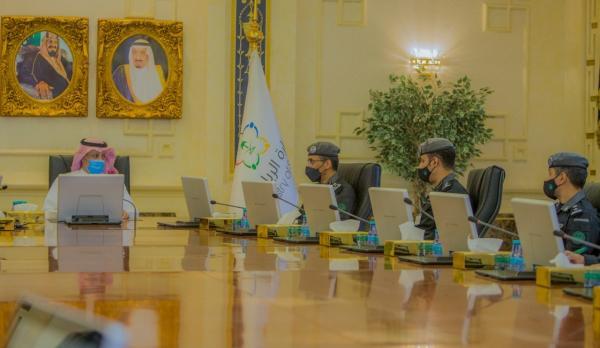 مساعد وزير الرياضة يلتقي قادة مركز العمليات الأمنية