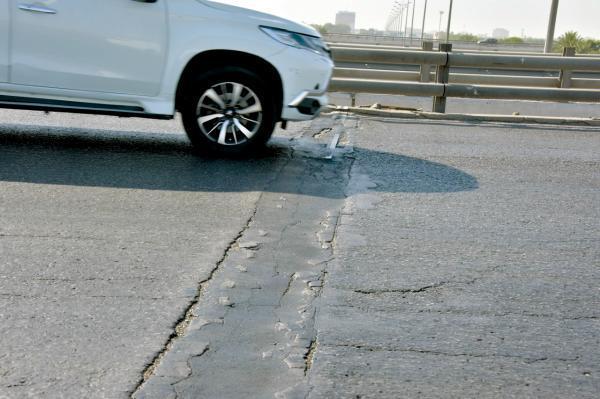 مَنْ يتحمل تضرر المركبات بسبب عيوب الطرق؟.. «أمانة الشرقية» تجيب