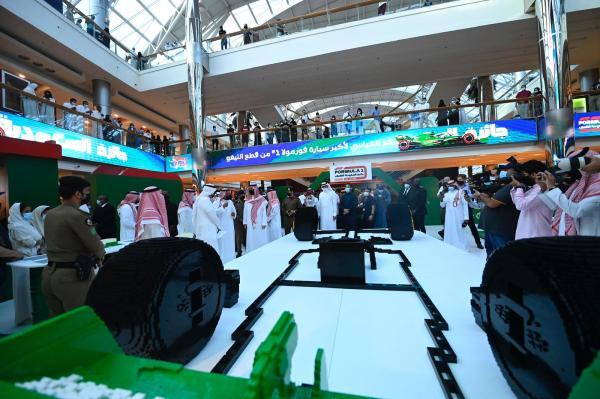 المملكةتدشن أكبر مجسم لسيارة فورمولا 1 في العالم