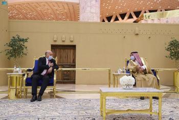 نائب وزير الخارجية يستقبل «حسين» و«المر»