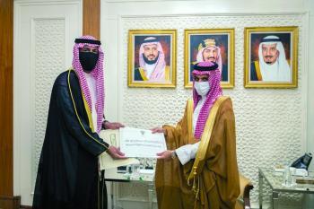 ولي العهد يتلقى رسالتين من ولي عهد الكويت ونائب رئيس مجلس الوزراء