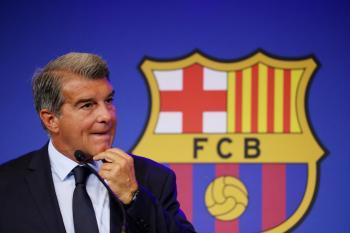 رئيس برشلونة يدعو للثقة والصبر