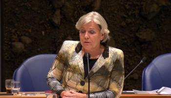 الثانية.. وزيرة الدفاع الهولندية تعلن الاستقالة من منصبها