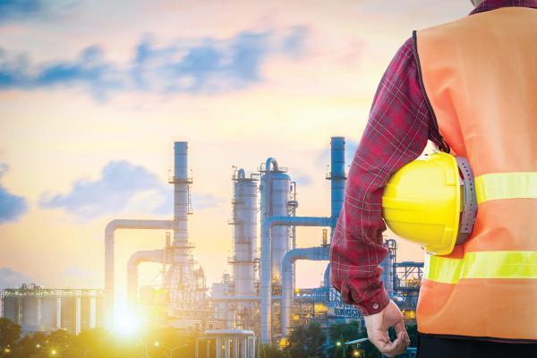 النفط يستقر فوق 75 دولارا بفضل التعافي البطيء للإمدادات