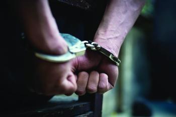 ممثلو مشهد «الاحتجاز ومادة الاشتعال» في قبضة الشرطة