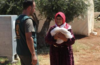 «مركز الملك سلمان» يواصل توزيع 20 ألف رغيف خبز يوميًا في لبنان