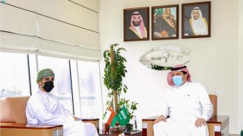 رئيس «نزاهة» يبحث سبل التعاون مع السفير العماني