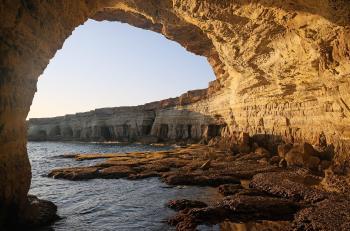 قبرص تصنيف المملكة ضمن الفئة الخضراء.. والسفارة توضح شروط السفر