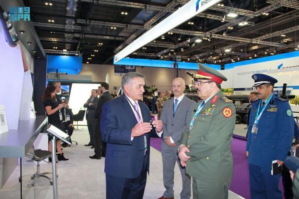 قائد الدفاع الجوي يطلع على تقنية الصناعات العسكرية بالمملكة المتحدة