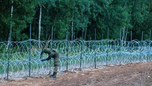 بولندا.. وفاة 3 أشخاص على الحدود وسط أزمة المهاجرين