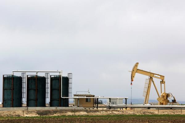 برميل النفط يسجل 71 دولارًا في  بداية أسبوع التداول