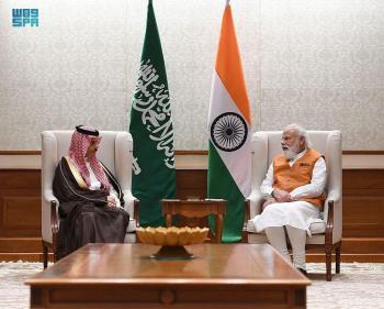 وزير الخارجية يشارك في جلسة نقاش مع باحثين ومفكرين في الهند