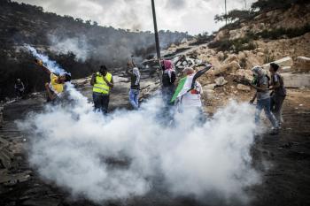 استشهاد 9 فلسطينيين واعتقال 380 في أغسطس
