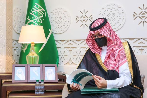 نائب أمير الشرقية يوجه بالتقيد بالاحترازات بالمدارس لضمان سلامة الجميع