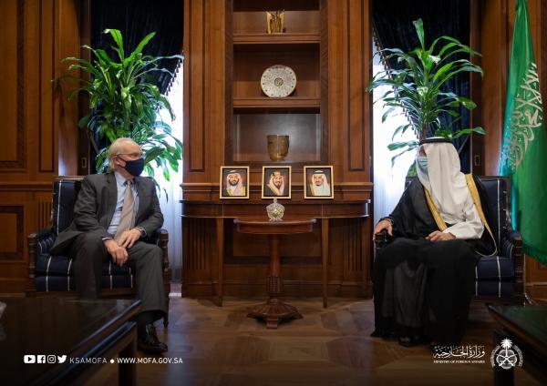 «الجبير» يبحث الدعم الإنساني للمملكة مع المبعوث الأمريكي لدى اليمن