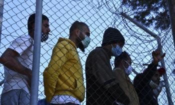 مراكز اللاجئين الجديدة باليونان تثير غضب المجتمع المدني