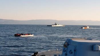ليبيا تنقذ 90 مهاجرًا غير شرعي بينهم نساء وأطفال