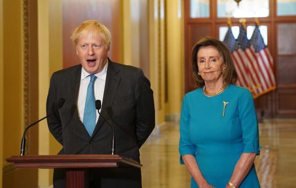بريطانيا تطالب فرنسا بضبط النفس بعد أزمة الغواصات