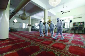 إعادة افتتاح مسجدين بعد تعقيمهما في الرياض وعسير