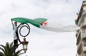 الجزائر تقرر إغلاق مجالها الجوّي أمام جميع الطائرات المغربية