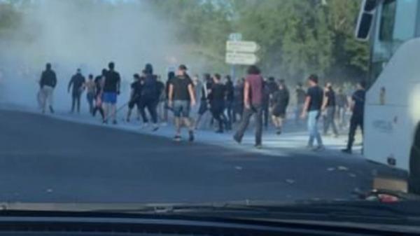فرنسا.. إصابة 16 في هجوم على حافلة لمشجعي كرة قدم
