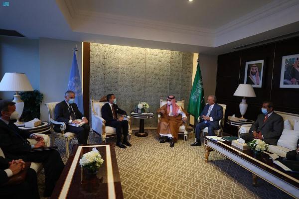 وزير الخارجية يبحث العلاقات مع نظيره الإيطالي ووزير الشؤون الخارجية السنغالي