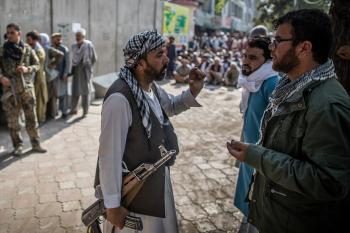 طالبان تريد التحدث بالجمعية العامة.. وباكستان تحذر من حرب أهلية