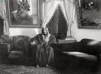 اجتماع «بيت البيعة» غير مسار الحياة.. وهمة «المؤسس» قهرت التحديات