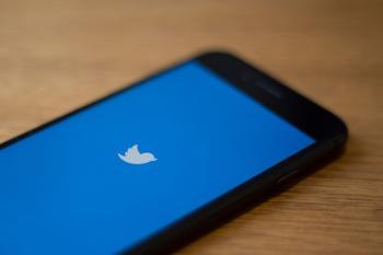 «تويتر» تدفع 809 ملايين دولار تسويات «تضليل مستثمرين»