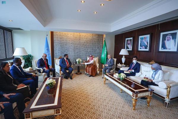 وزير الخارجية يستعرض القضايا المشتركة معرئيس غويانا التعاونية