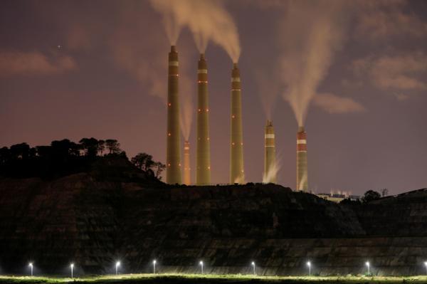 سبع دول تفق لوقف بناء محطات جديدة تعمل بالفحم