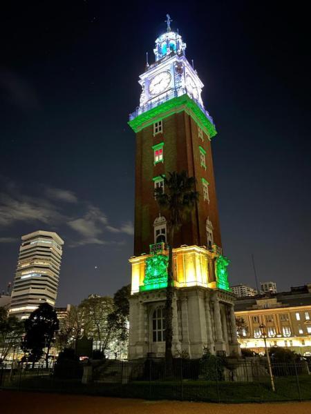 الأرجنتين تضيء 3 مواقع سياحية احتفالاً باليوم الوطني للمملكة