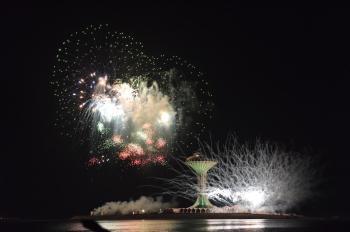 الألعاب النارية تنير سماء الشرقية في يوم الوطن