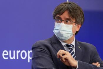 احتجاز الزعيم الكتالوني السابق في جزيرة سردينيا الإيطالية