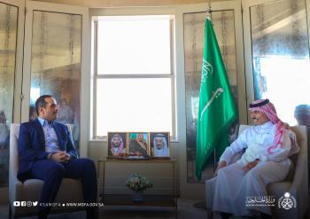 وزير الخارجية ونظيره القطري يستعرضان العلاقات الثنائية