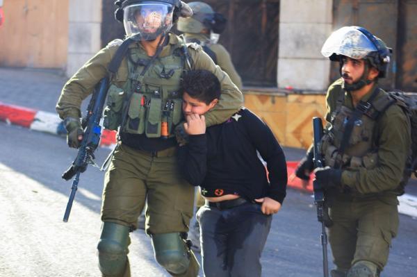 الاحتلال يعتقل 3 فلسطينيين من رام الله