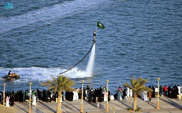 بالصور.. عروض جوية وبحرية احتفاءً باليوم الوطني في الشرقية