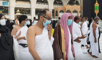 أكثر من 40 مطوفا لتلبية طلبات المعتمرين في المسجد الحرام